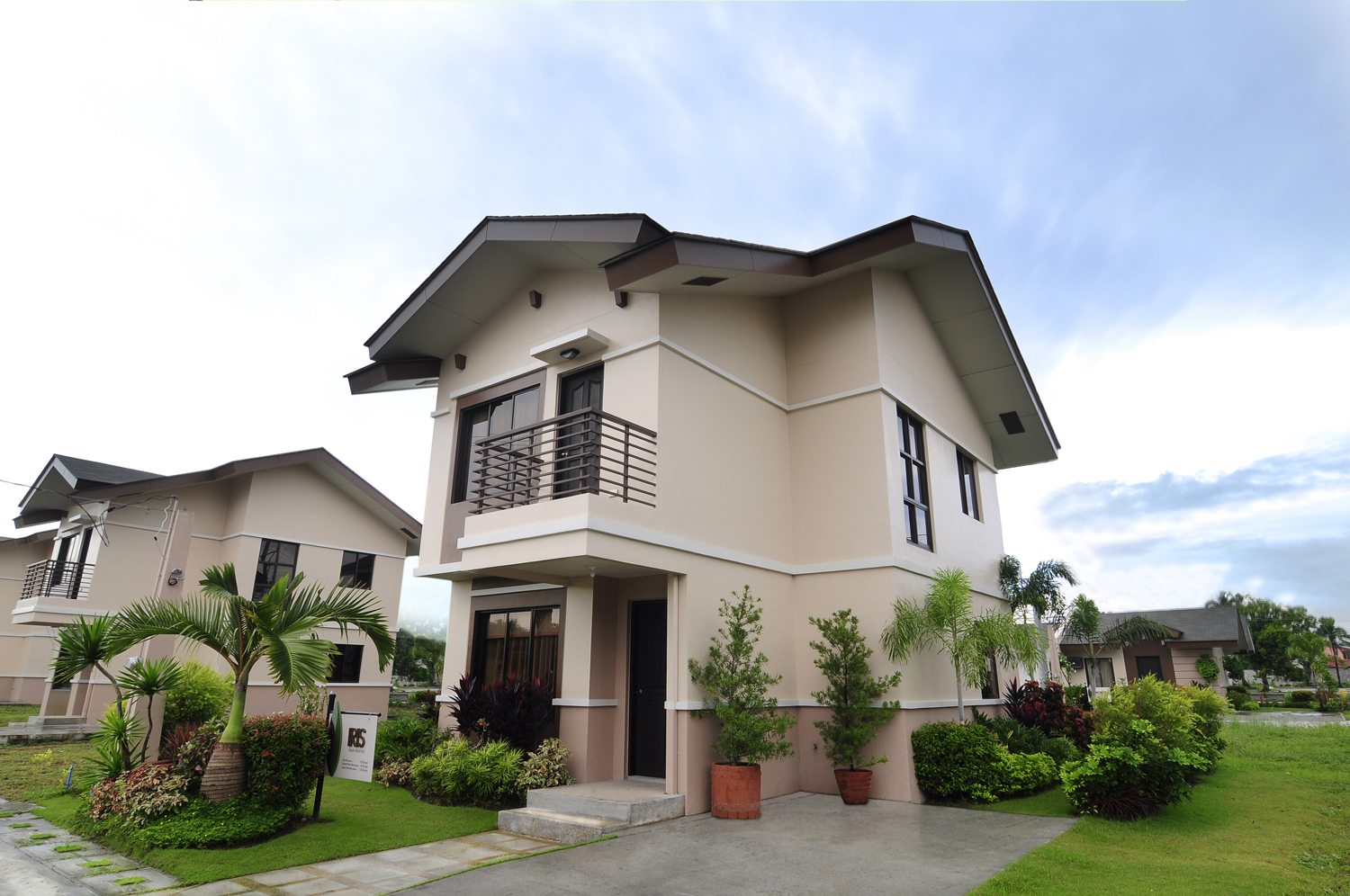 Willow park homes cabuyao laguna dmci homes for The willow house